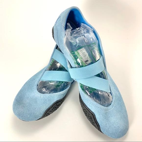 Puma 9.5 Suede Slip On Flats Light Blue